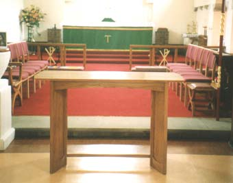 modern style nave altar